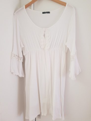 Bela haljina od tankog pamuka, nije providna ima postavu, vel.M-L.Moze - Belgrade