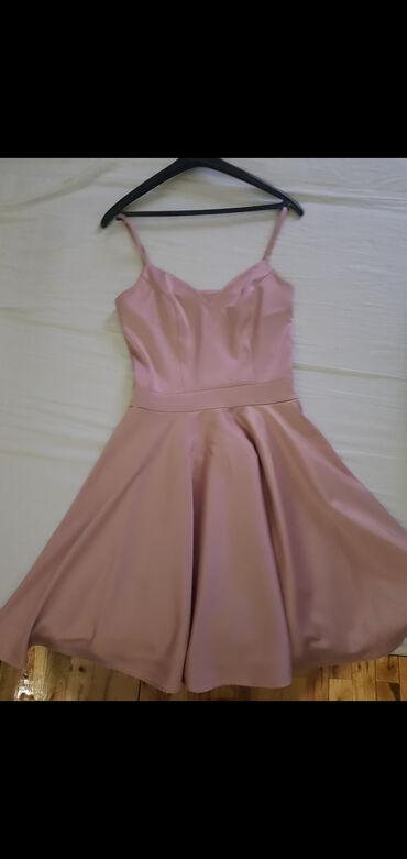 Satenska kratka haljina, jednom obucena kao novaPrelepo pada, radjena