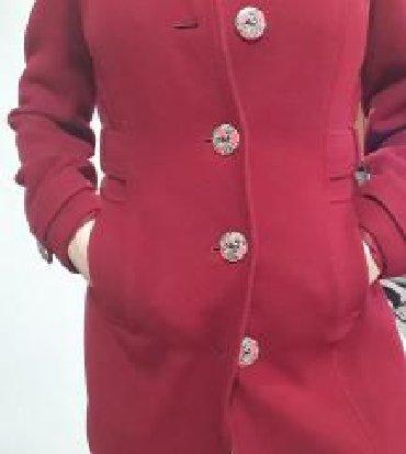 Bordo crveni kaput, nema tragova nosenja - Sremski Karlovci