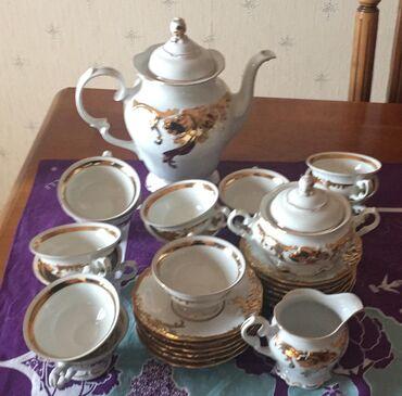 servizi - Azərbaycan: Teze, Polsha istehsali, farfordan kofe servizi. Ustu qizil ishleme