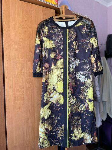 Продаю очень красивое платье турецкого производителя. Удобная и на