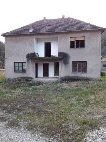 Na prodaju kuca sa 5ari placa u paskovcu nedaleko od loznice udaljena - Loznica