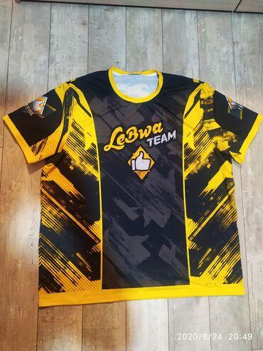 nike team hustle d7 в Кыргызстан: Продаю футболку LeBwa team Размер 3 хл