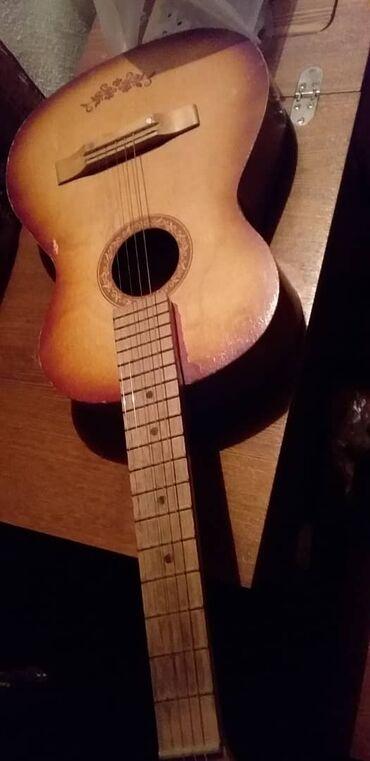 Гитары в Джалал-Абад: Продается гитара хорошем состоения