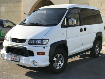 mitsubishi van в Кыргызстан: Mitsubishi Delica 3 л. 2003 | 200 км