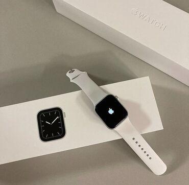 Ağ Kişi Qol saatları Apple