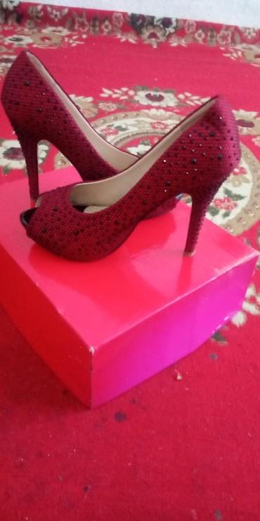 Женская обувь в Каныш-Кия: 500с