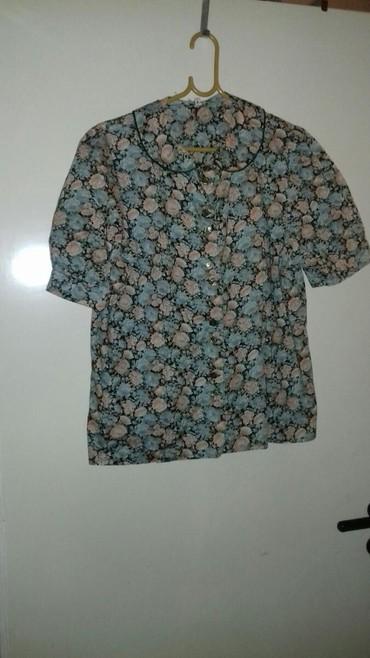 Μπλουζάκι φλοραλ βαμβακερο( πολύ καλή σε Kallithea