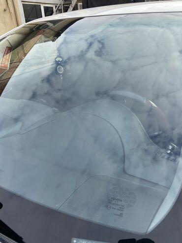 Toyota Camry Ön Şüşesi SATILIR. Hec bir problemi yoxdu cizigi cati fl
