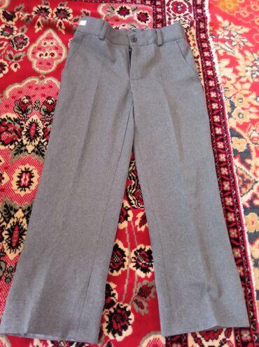 Личные вещи - Дмитриевка: 2школьных брюк на мальчика на 7-8лет!