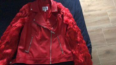 Kozna jakna sa krznom - Srbija: Guess kozna jakna sa krznom. Jednom obucena nema tragova koriscenja. Z