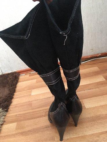 Женская обувь в Азербайджан: Qara yarı koja. Yarı zamuçlu qış kabloku az isdifadə olunubdur heç bir