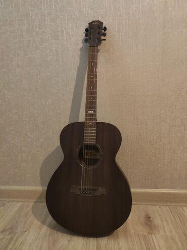 Musiqi alətləri - Mingəçevir: Gitara satilir 160 manat 1 ay islenib hec bir cizigi eziyi qirigi