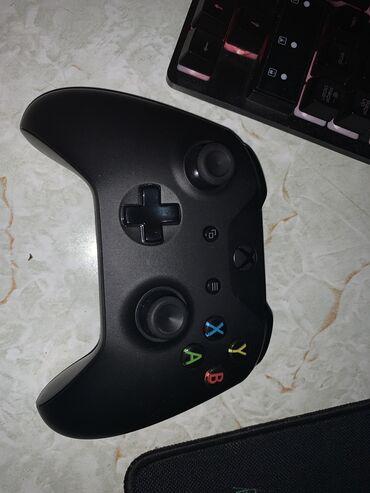 автокресло chicco go one в Кыргызстан: Продаю Геймпад от Xbox one с usb кабелем для Windows в отличном состоя