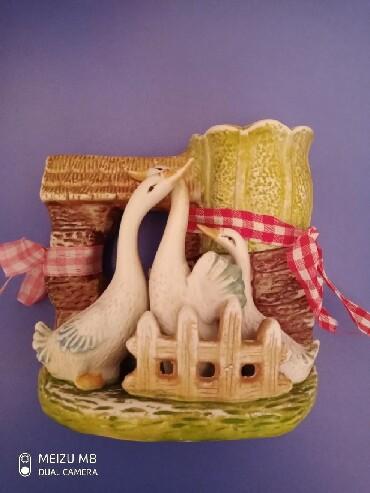 Zabrat şəhərində Сувенир лебеди можно деревянные лошки поставить