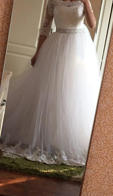 шикарно свадебное платье в Кыргызстан: Продаю свадебное платье. размер 42. покупала новое,одевалось 1 раз