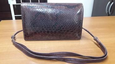 Продается сумочка из змеиной кожи, ручная работа, кожаная отделка
