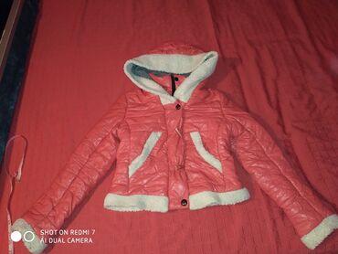 Prelepa jakna kratka Vel M bez ostecenja
