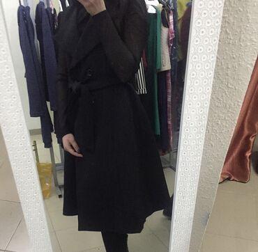 Продам необычную пальто-жилетку как платье!Пуговицы все рабочие,можно
