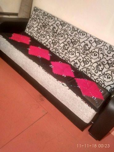 Срочно продаю раздвижной диван, в Балыкчи