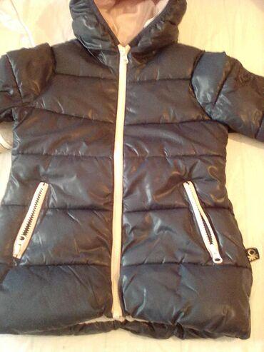 Beneton jaknica, super očuvana,vel 110, 4-5godina