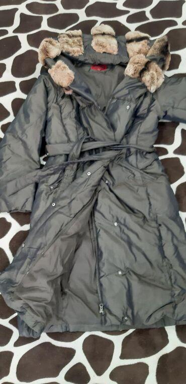 зимние куртки женские длинные в Кыргызстан: Женская, зимняя, очень тёплая куртка, с большим,уютным капюшоном,длина