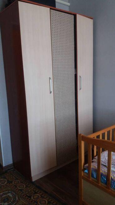 СПАЛЬНЫЙ ГАРНИТУР: кровать с матрасом 2 -х местная, шифоньер (куда вещ