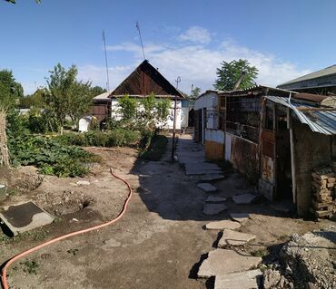 дома в Кыргызстан: Продается дом,с.чуй Покровка,ул.сельская 22,район хороший, соседи