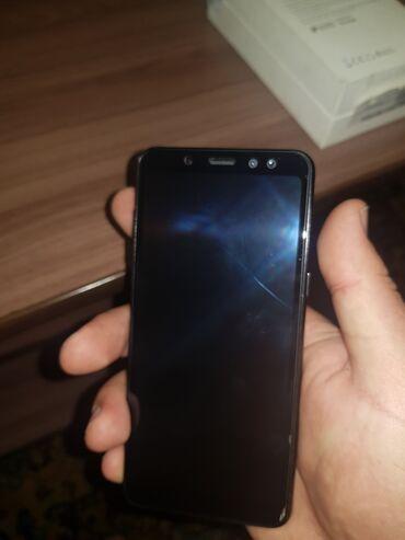Б/у Samsung Galaxy A8 32 ГБ Черный