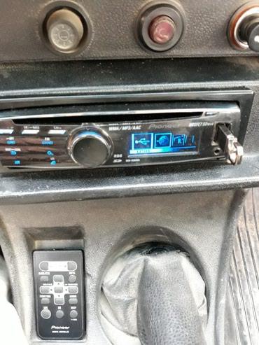 Xırdalan şəhərində Pioneer delfin maqintafon marka 8350sd 140azn disk usb aux fm radio