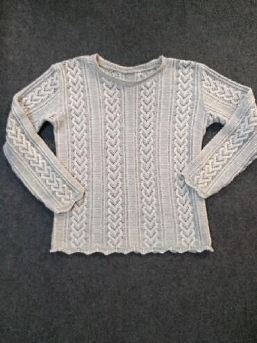 серебристый свитер в Кыргызстан: Симпатичный свитер ок, размер 42-44, серебристый