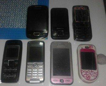Stari mobilni telefoni.. Poluispravni, cena za sve je 1500 din.. - Sjenica