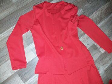 Bez pantalone broj - Srbija: Crven komplet odeloSako i pantalone Šiveno za s/m veličinu, može i M