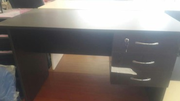 Bakı şəhərində Ofis stolu tezedi 50 ×70 sm olcu 70 azn ,50×90 sm olcu 75 azn 50