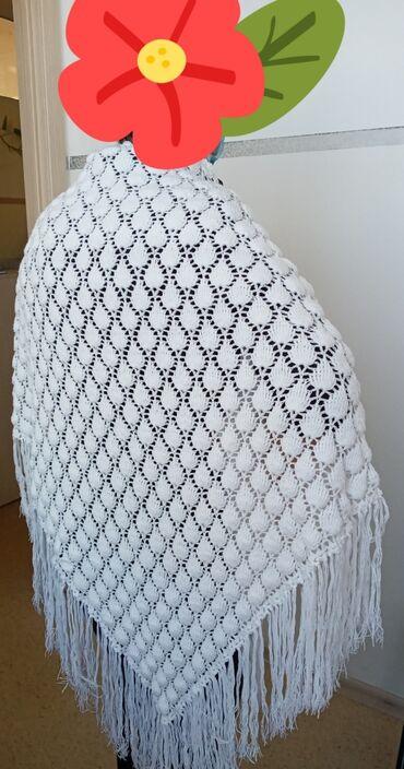шаль вязанный в Кыргызстан: Новая красивая вязанная шаль.Ручная работа,красивая,плотная