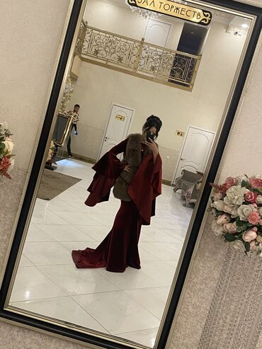шикарные платья для полных в Кыргызстан: Шикарное платье со шлейфом, сшито на заказ. Ткань дорогой велюр