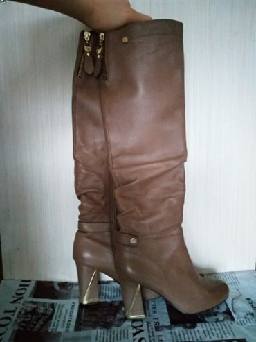 Кожаные светло-коричневые сапоги с в Бишкек