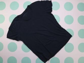 Женская футболка Reserved, р. М    Длина: 65 см Пог: 52 см Материал: о