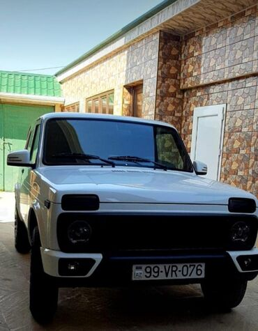 VAZ (LADA) Azərbaycanda: VAZ (LADA) 4x4 Niva 1.6 l. 2015