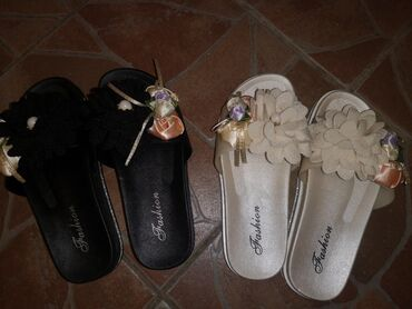 Papuce - Srbija: Papuce nove ne korišćene, broj 36, kalup manji gaziste 22,5 cm po 800