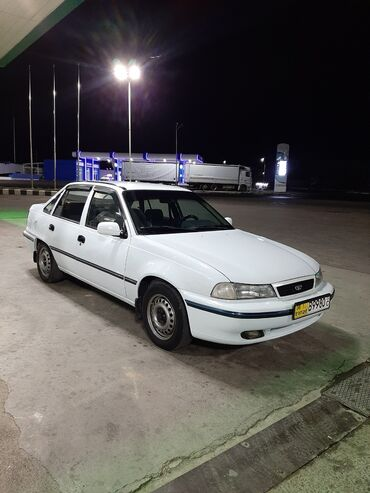 Автомобили в Душанбе: Daewoo Nexia 1.6 л. 1995