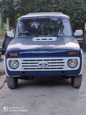 Автомобили - Джалал-Абад: ВАЗ (ЛАДА) 4x4 Нива 1.6 л. 2002