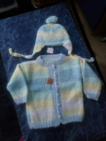 Dečiji Topići I Majice | Sokobanja: Dzemperic i kapa za bebu,rucni rad. Duzina 39cm,sirina 25cm,rukavi 19