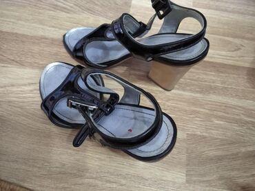 фирменная обувь из германии в Кыргызстан: Вся обувь в хорошем состоянии 1-я обувь 38 размер (с Бразилии) 2-я