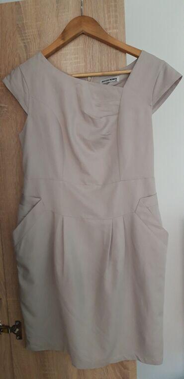 Bmw 8 серия 850i at - Srbija: Očuvana haljina, 40 (M) veličina, pogodna za večernje izlaske, za