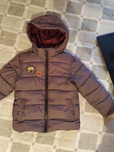 Куртка Деми, б/у, фирменная, состояние отличное на 4-6 лет, находимся