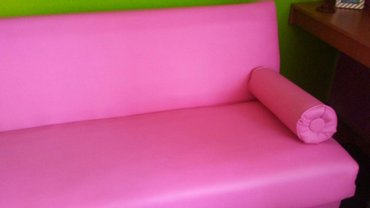 Pink krevet eko koza potpuno nov bez ijedne mane... 195x160... Cena je - Odzaci