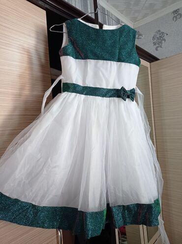 В идеальном состоянии платье на девочку 6-9 лет