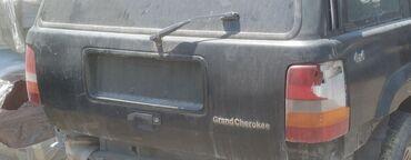 Grand park shikhov - Azərbaycan: Jeep Grand Cherokee ZJ arxa faralar