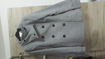 Kišni kaputi | Srbija: Sivi topao kaput kupljen u H&M-u. Nosen svega par puta,nije opran